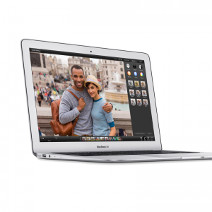 MacBook Air 13-inch, 1,7 GHz Intel Core i5, 4 GB 1600 MHz DDR3, 64 GB SSD, Produktens ålder: 74 månader