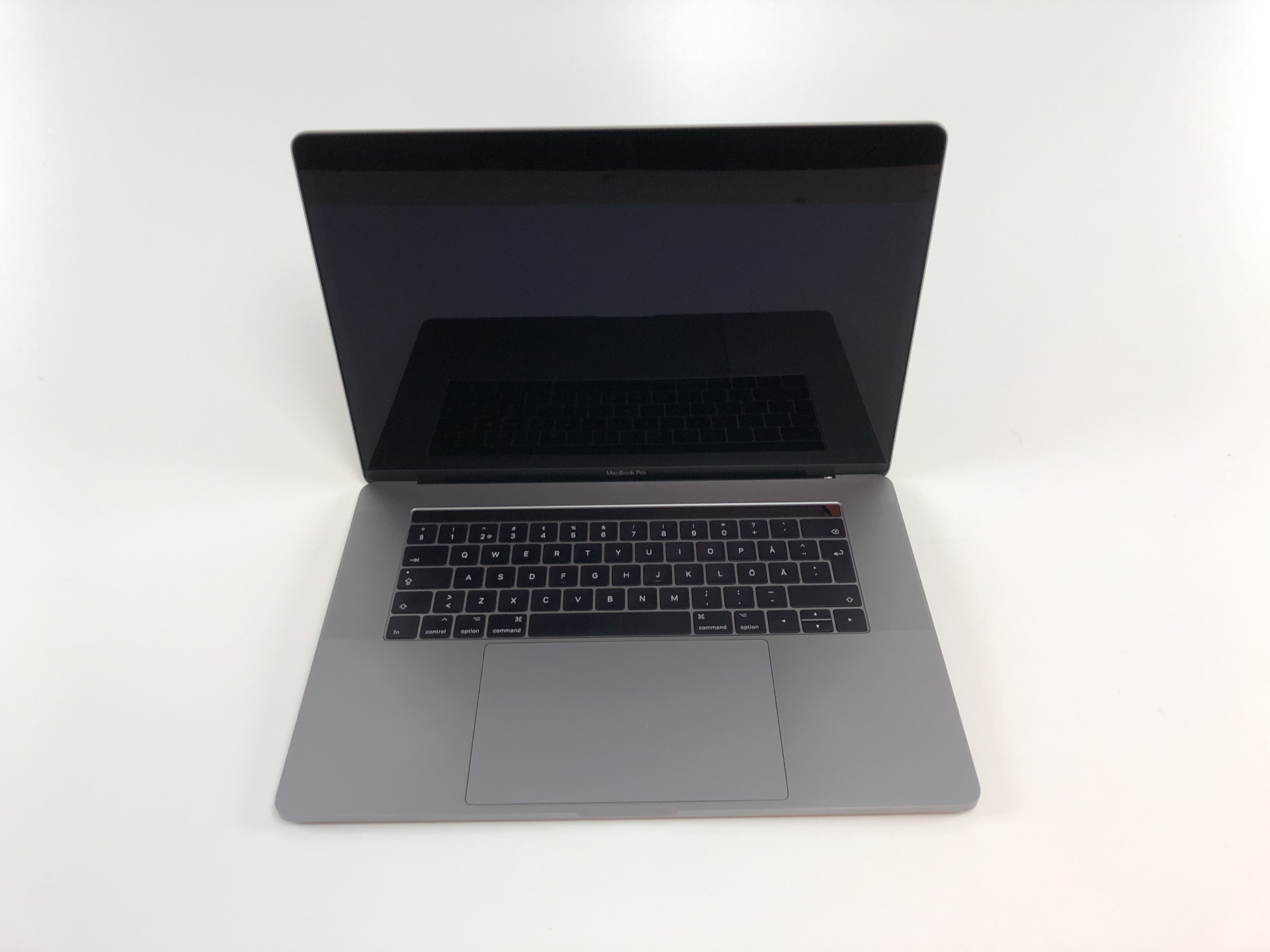 "MacBook Pro 15"" Touch Bar Mid 2017 (Intel Quad-Core i7 2.9 GHz 16 GB RAM 512 GB SSD), Space Gray, Intel Quad-Core i7 2.9 GHz, 16 GB RAM, 512 GB SSD, bild 3"