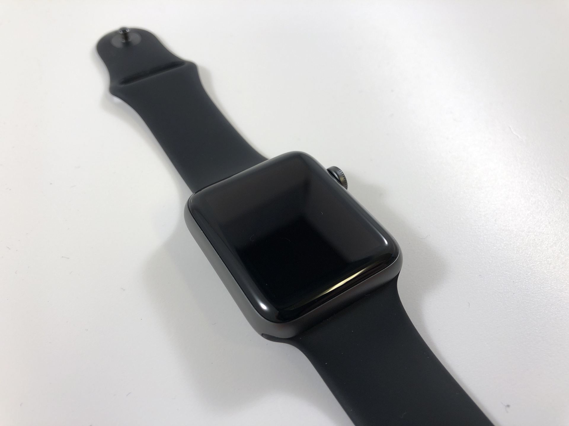 Watch Series 2 Aluminum (42mm), Space Gray, Black Sport Band, bild 3