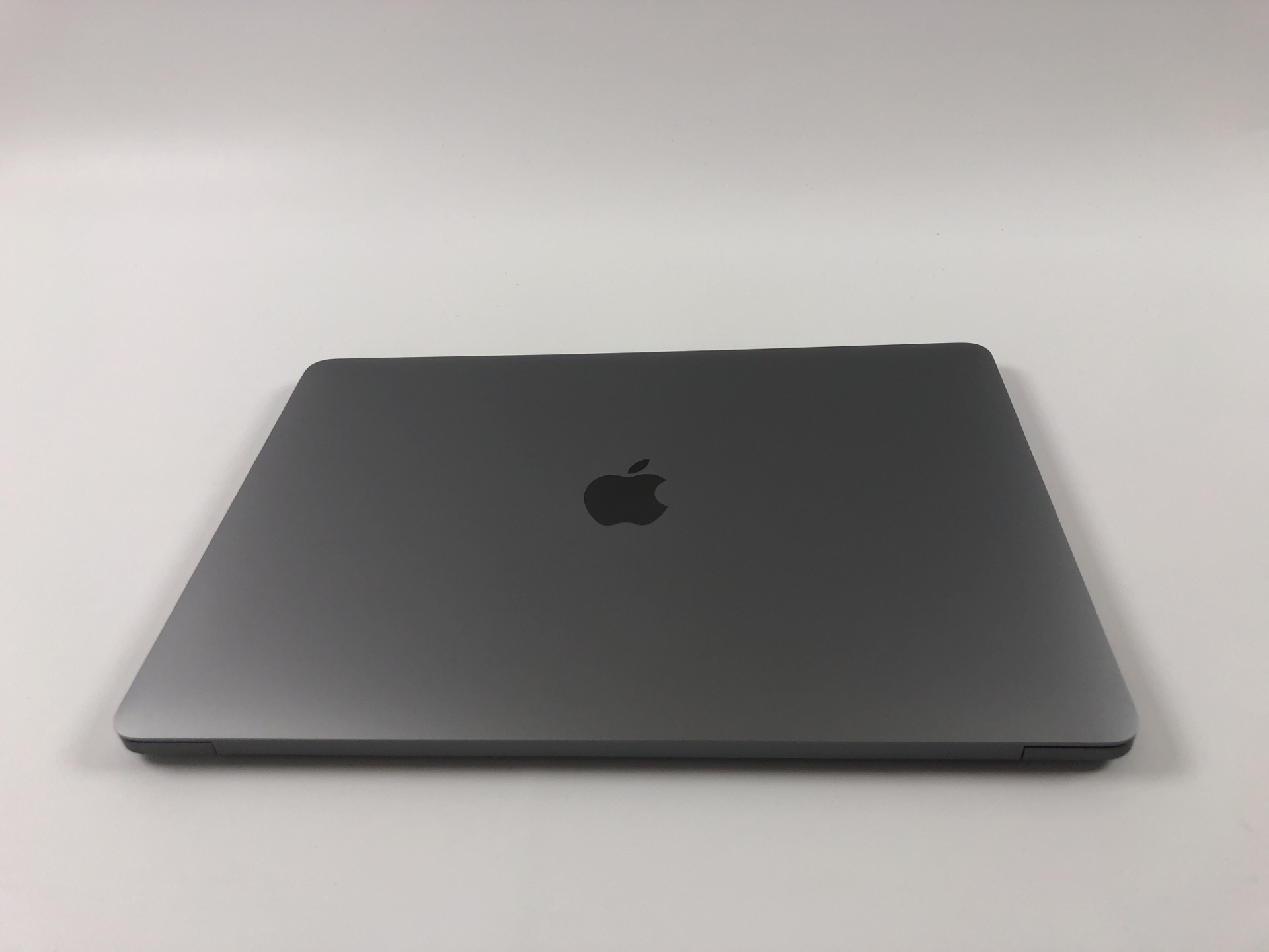 "MacBook Pro 13"" 2TBT Mid 2019 (Intel Quad-Core i5 1.4 GHz 16 GB RAM 128 GB SSD), Space Gray, Intel Quad-Core i5 1.4 GHz, 16 GB RAM, 128 GB SSD, bild 2"