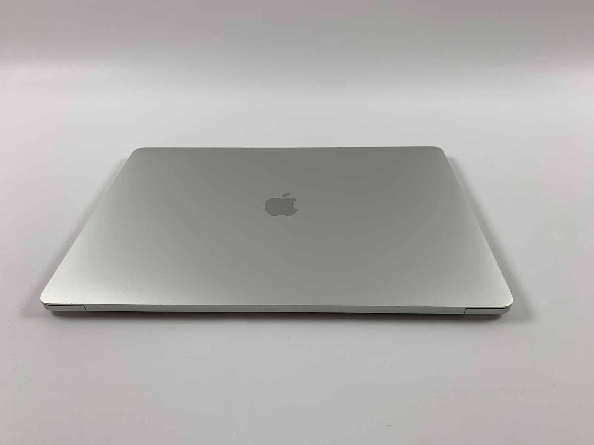 "MacBook Pro 15"" Touch Bar Late 2016 (Intel Quad-Core i7 2.7 GHz 16 GB RAM 512 GB SSD), Silver, Intel Quad-Core i7 2.7 GHz, 16 GB RAM, 512 GB SSD, bild 2"