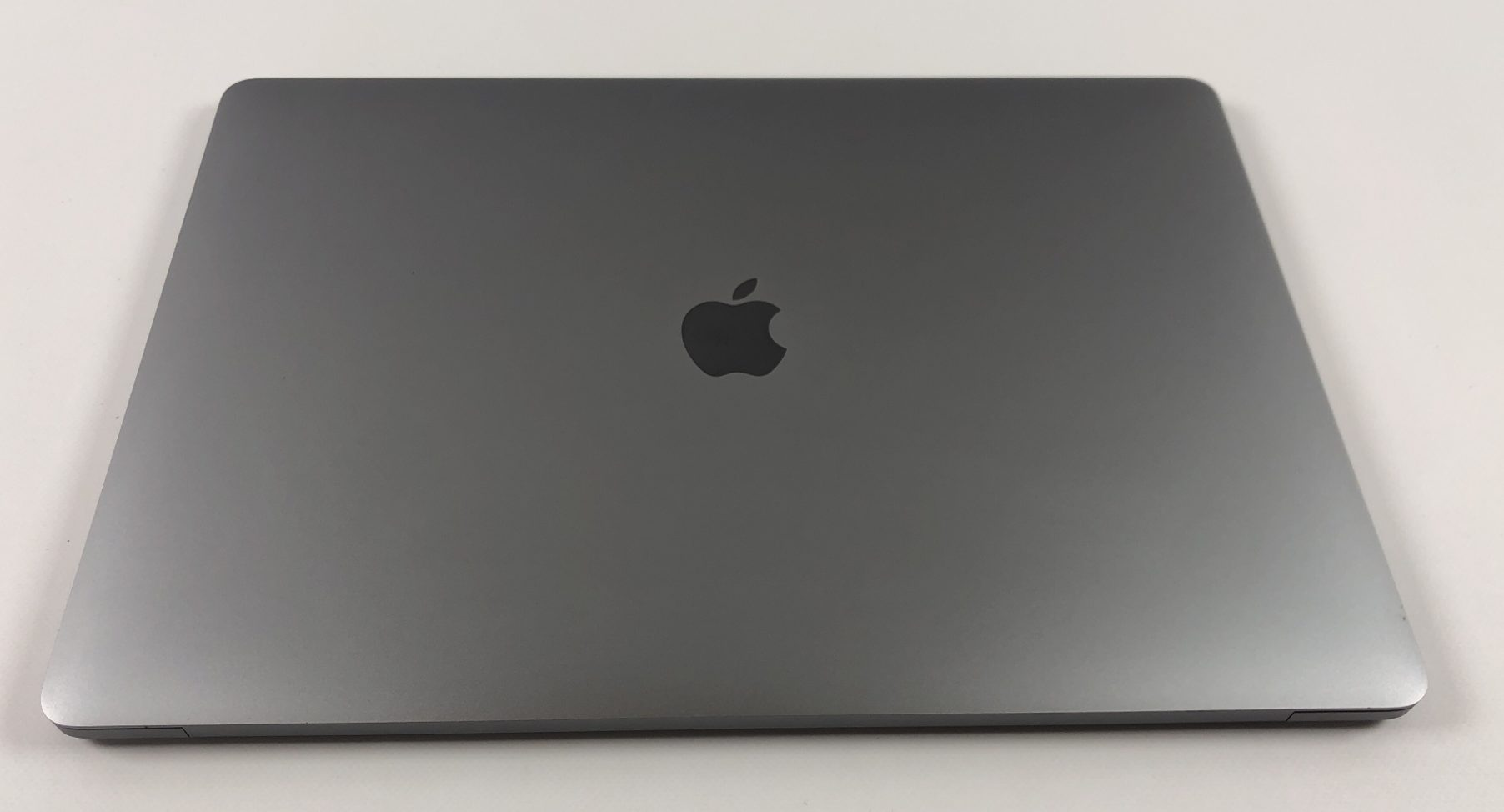 "MacBook Pro 15"" Touch Bar Late 2016 (Intel Quad-Core i7 2.9 GHz 16 GB RAM 2 TB SSD), Space Gray, Intel Quad-Core i7 2.9 GHz, 16 GB RAM, 2 TB SSD, image 3"