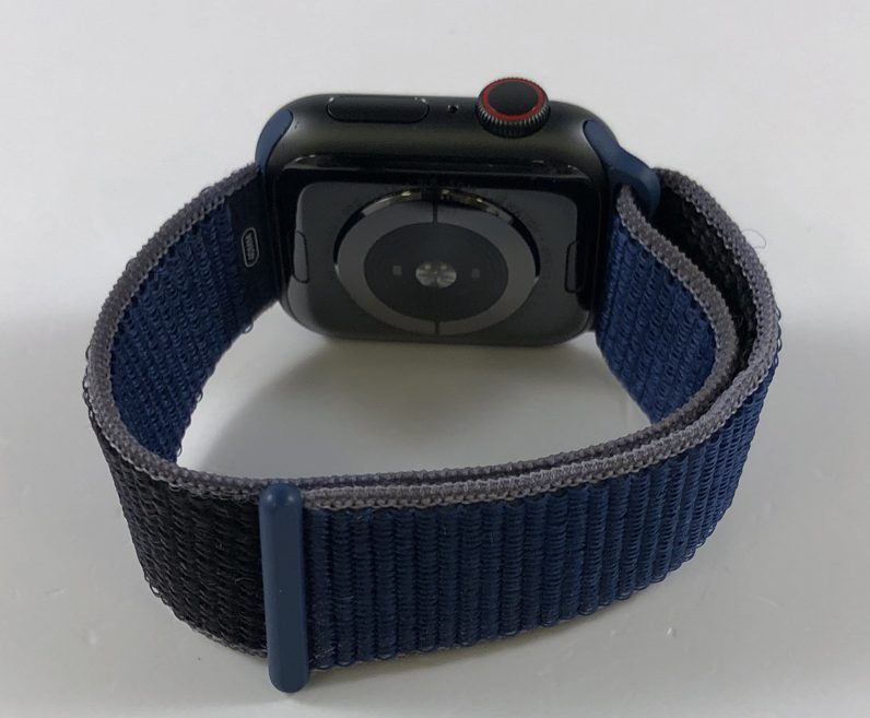 Watch Series 5 Aluminum Cellular (40mm), Space Gray, image 2