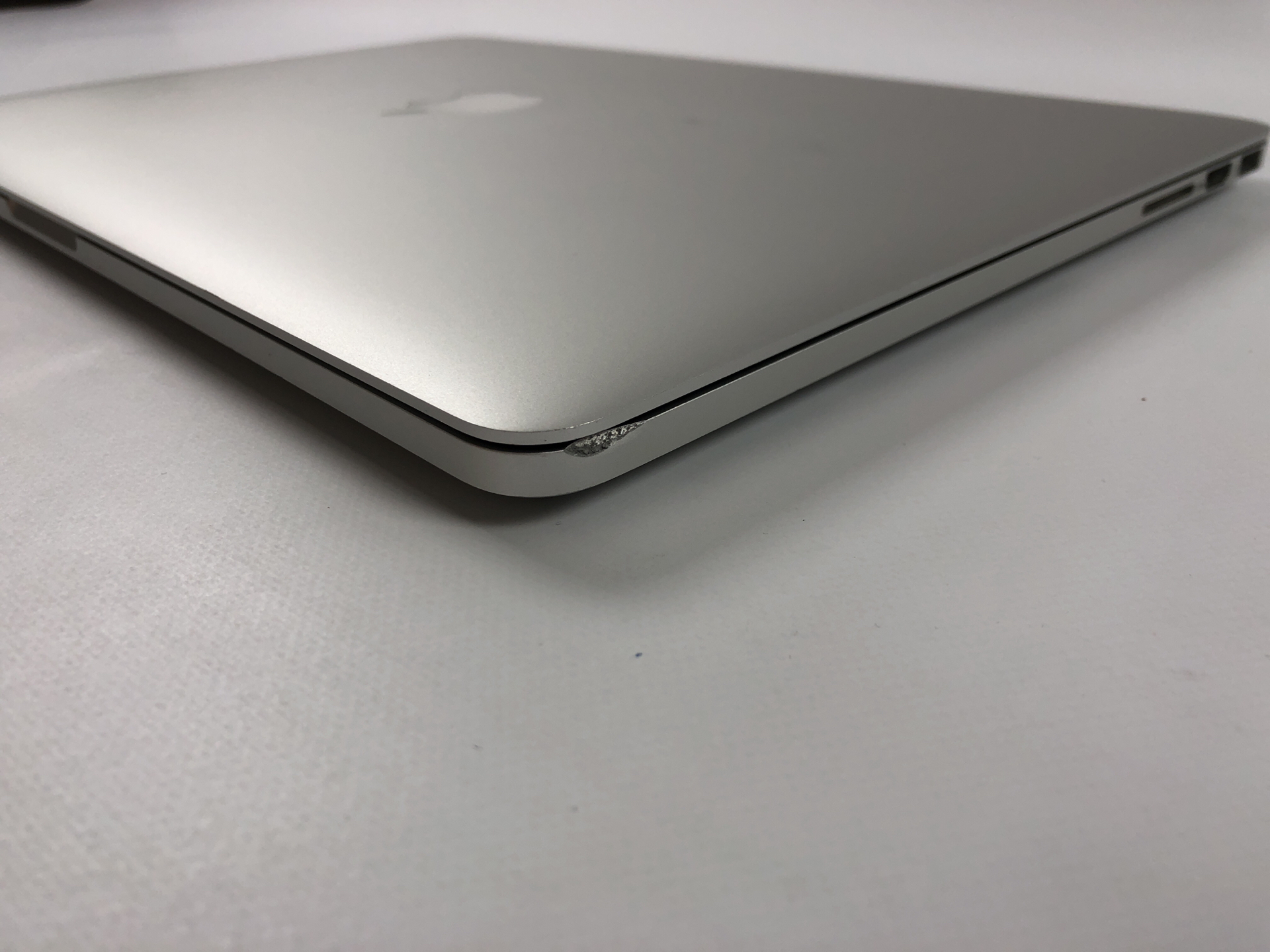 "MacBook Pro Retina 15"" Mid 2015 (Intel Quad-Core i7 2.2 GHz 16 GB RAM 256 GB SSD), Intel Quad-Core i7 2.2 GHz, 16 GB RAM, 256 GB SSD, Bild 5"