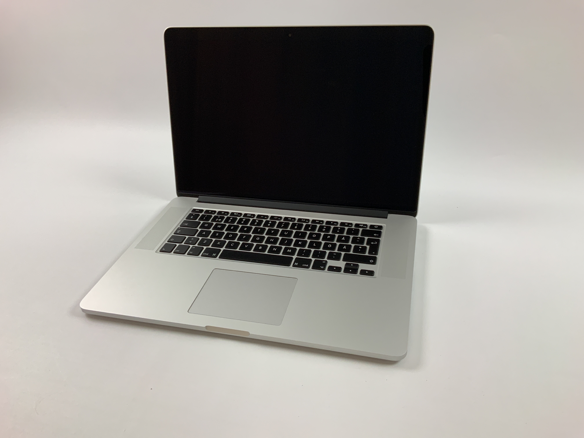 """MacBook Pro Retina 15"""" Mid 2015 (Intel Quad-Core i7 2.8 GHz 16 GB RAM 256 GB SSD), Intel Quad-Core i7 2.8 GHz, 16 GB RAM, 256 GB SSD, bild 1"""