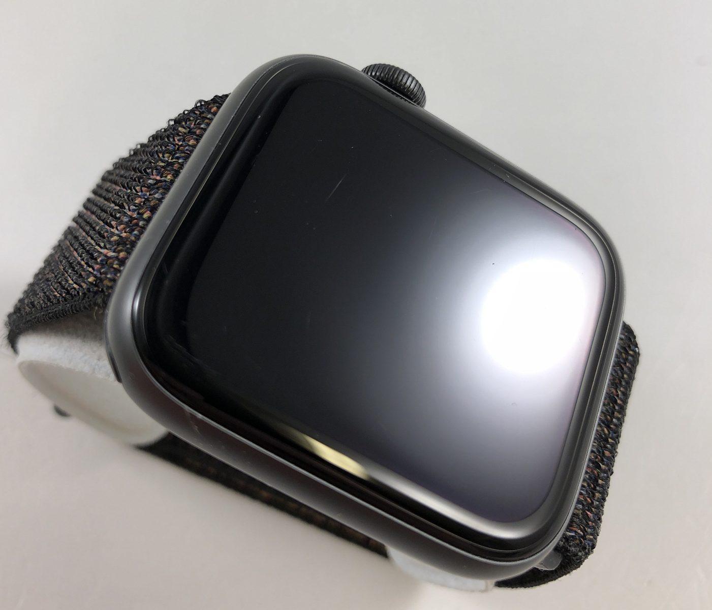 Watch Series 4 Aluminum Cellular (44mm), Space Gray, Black Sport Loop, Kuva 3
