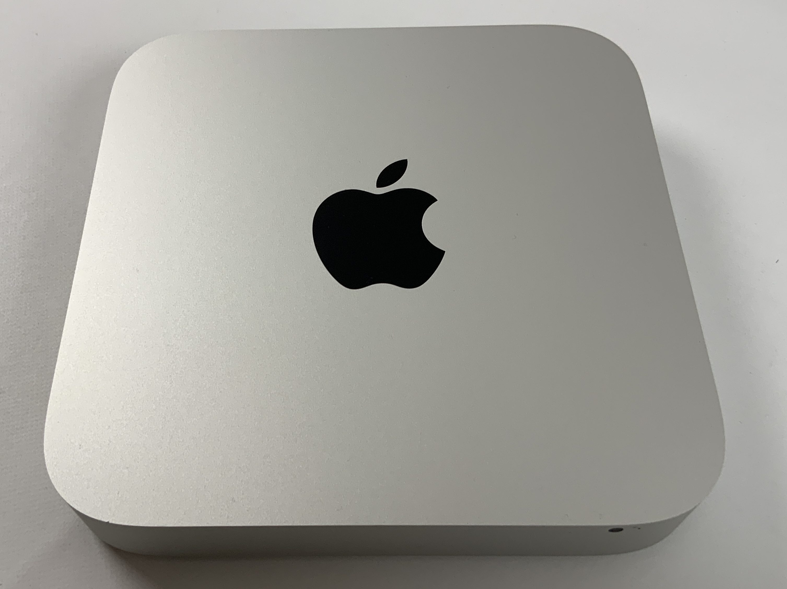 Mac Mini Late 2014 (Intel Core i5 2.6 GHz 8 GB RAM 1 TB HDD), Intel Core i5 2.6 GHz, 8 GB RAM, 1 TB HDD, image 1