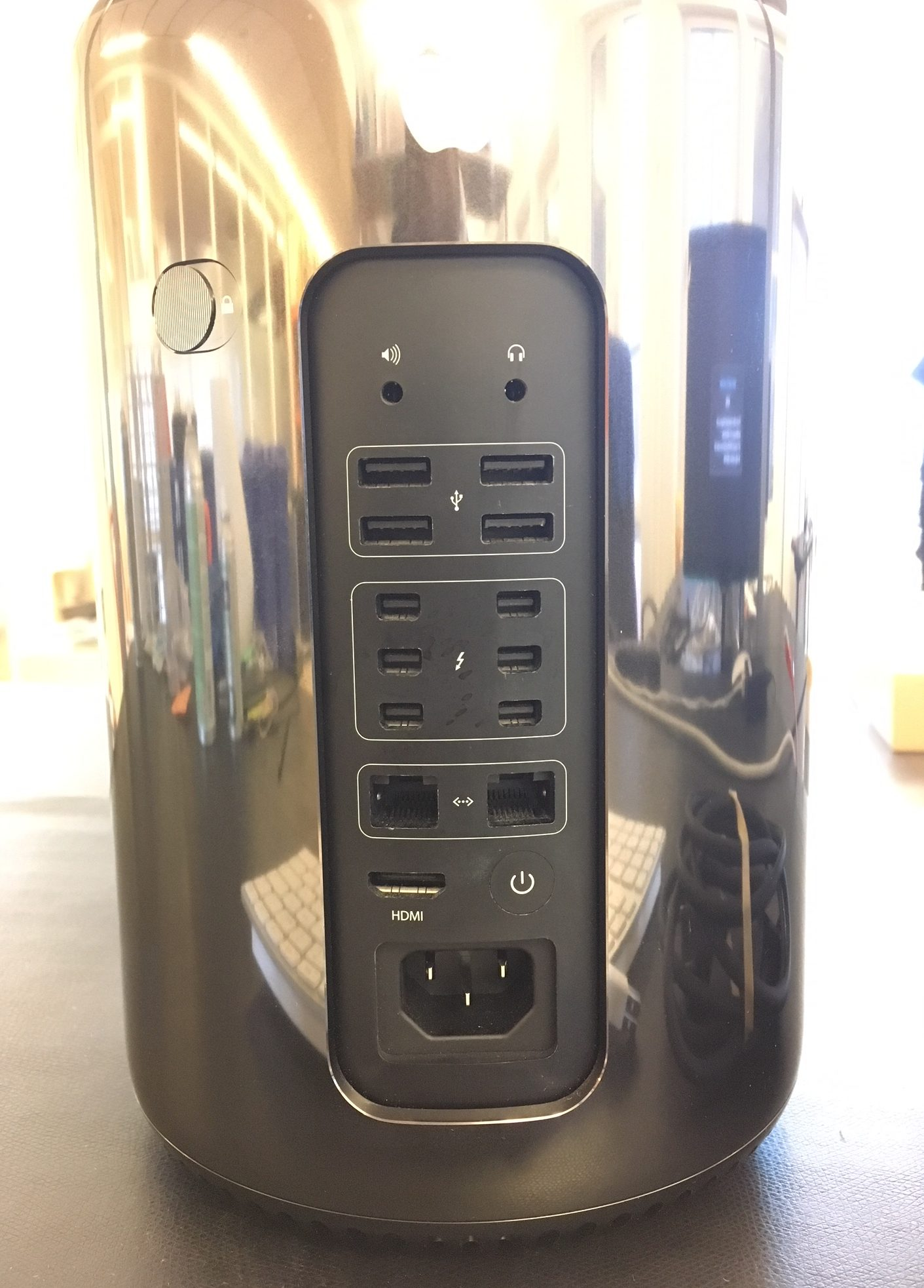 Mac Pro Late 2013 (Intel 6-Core Xeon 3.5 GHz 16 GB RAM 256 GB SSD), Intel Xeon E5, 3.5 GHz (Ivy Bridge), 16 GB (1866 MHz), 256 GB Flash, bild 2