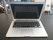 MacBook Air 13-inch, Intel Core i5 1,3 GHz (Haswell), 4 GB PC3-12800 (1600 MHz) LPDDR3, 128 GB Flash, Produktens ålder: 61 månader, image 4
