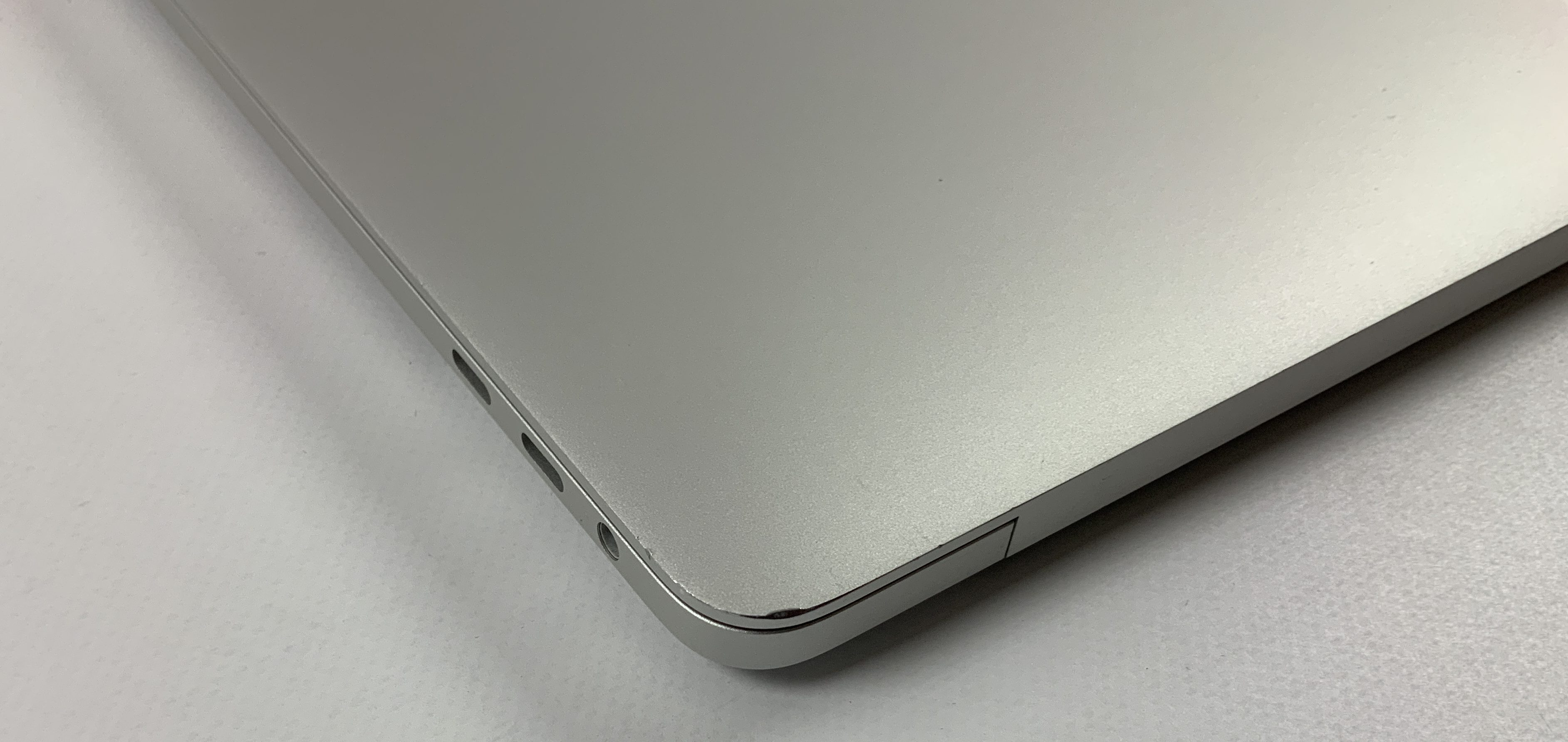 "MacBook Pro 13"" 4TBT Mid 2018 (Intel Quad-Core i5 2.3 GHz 8 GB RAM 512 GB SSD), Silver, Intel Quad-Core i5 2.3 GHz, 8 GB RAM, 512 GB SSD, image 4"