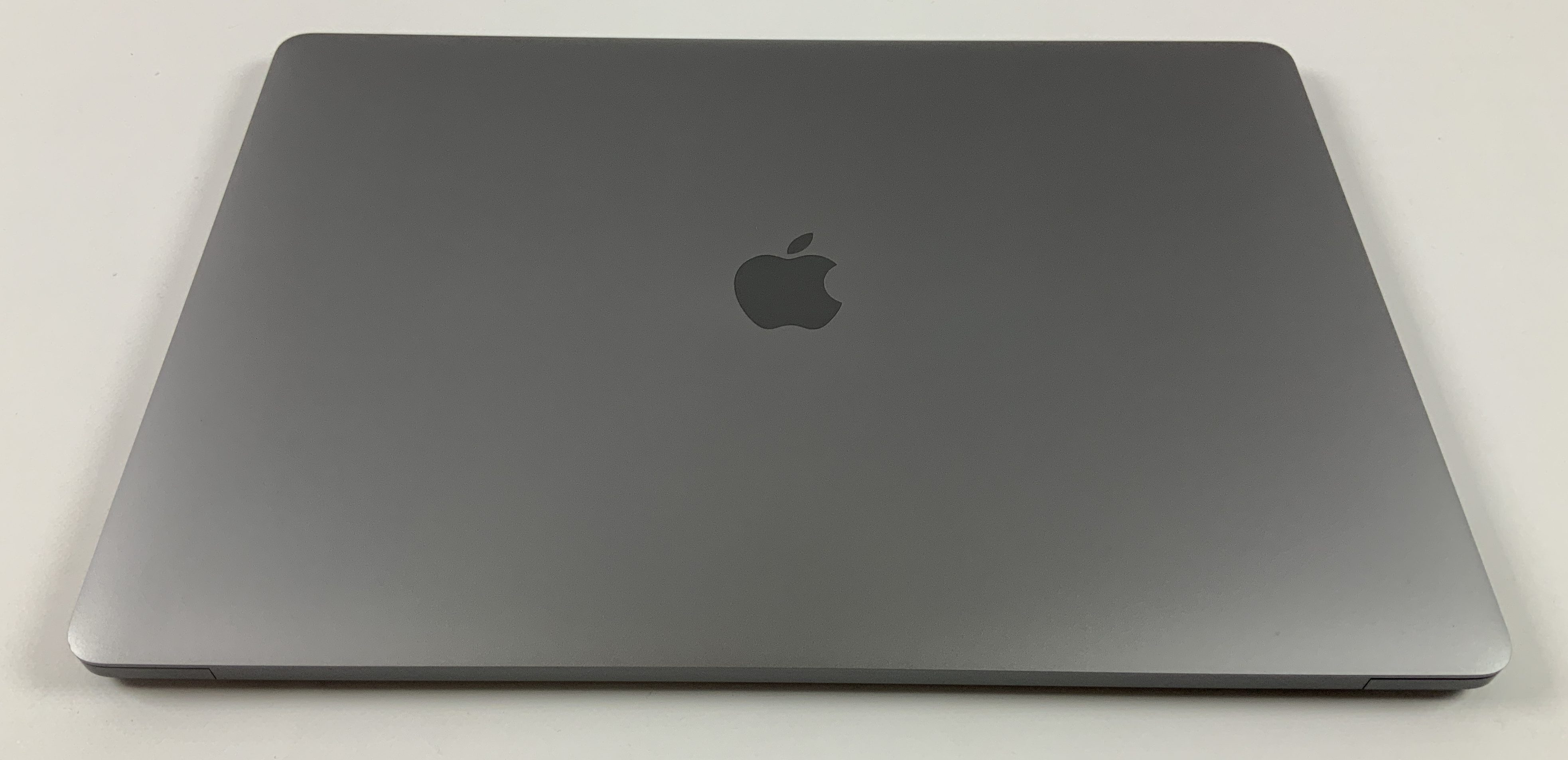"MacBook Pro 15"" Touch Bar Late 2016 (Intel Quad-Core i7 2.6 GHz 16 GB RAM 256 GB SSD), Space Gray, Intel Quad-Core i7 2.6 GHz, 16 GB RAM, 256 GB SSD, obraz 2"