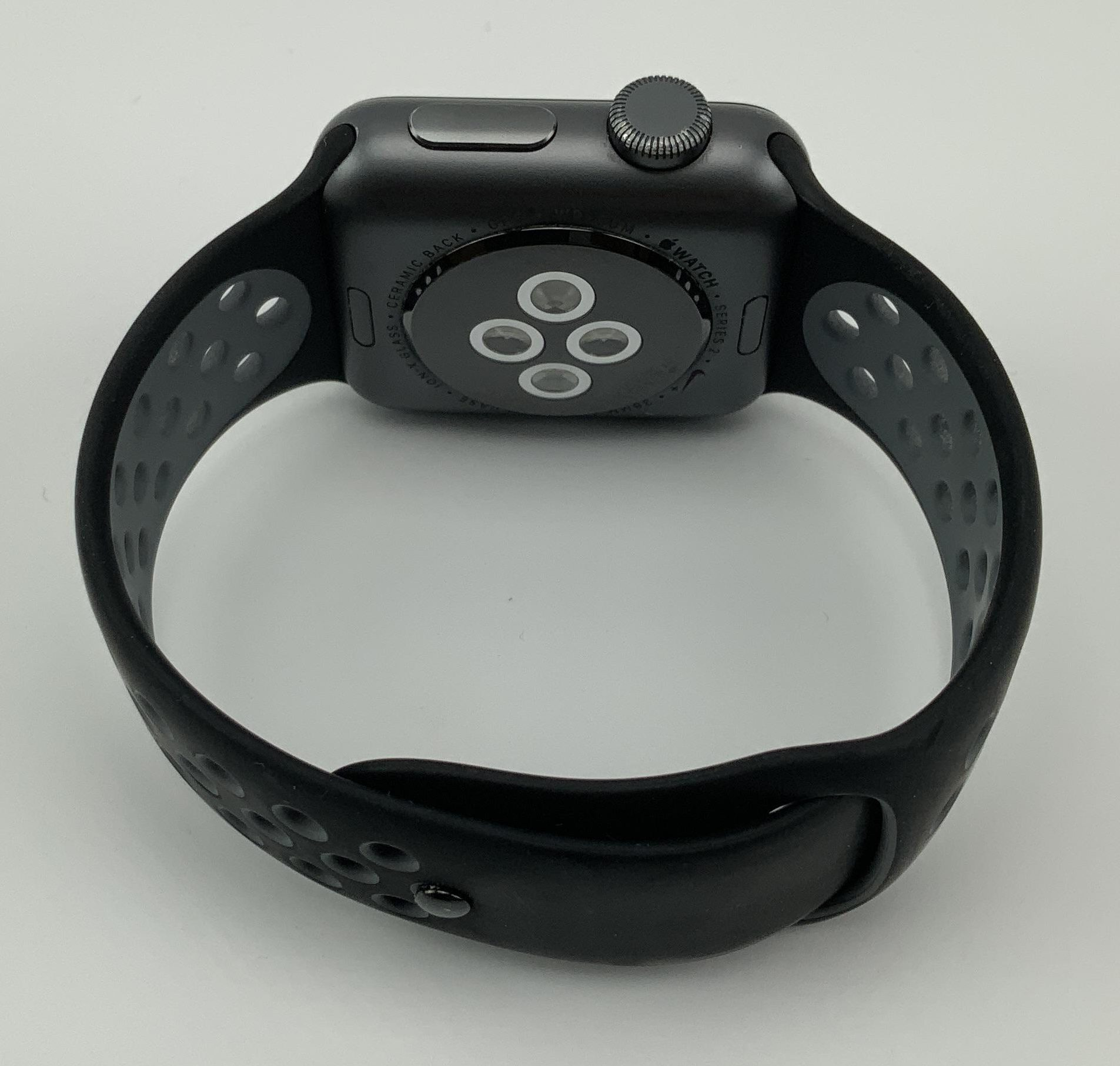 Watch Series 2 Aluminum (38mm), Space Gray, Anthracite/Black Nike Sport Band, Kuva 3