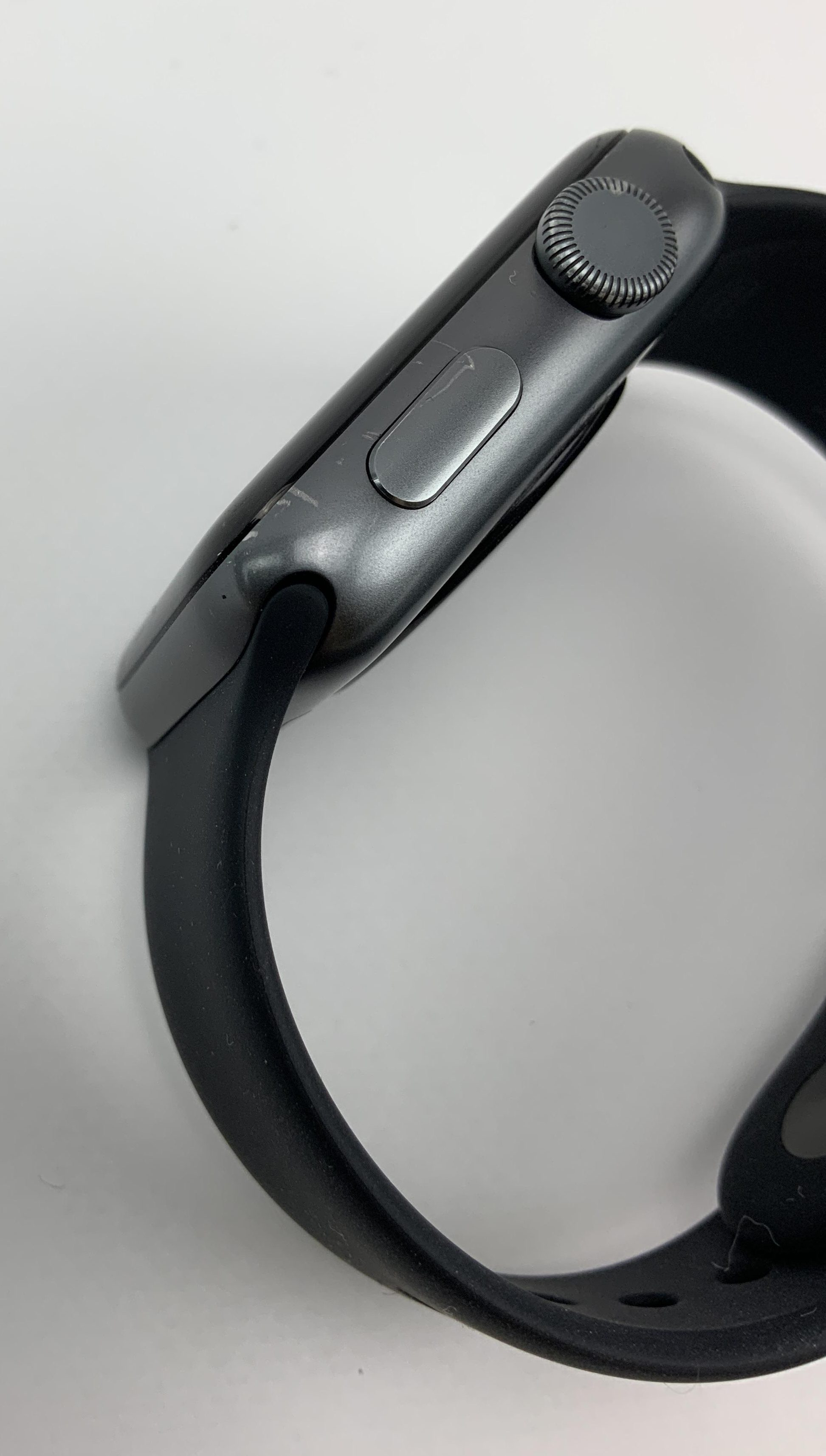 Watch Series 3 Aluminum (42mm), Space Gray, Black Sport Band, imagen 4