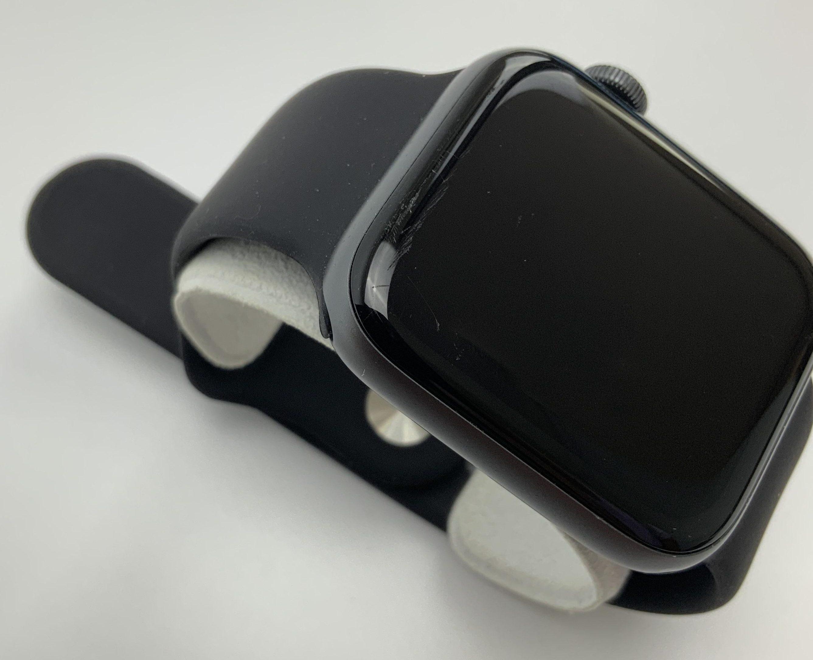 Watch Series 4 Aluminum (44mm), Space Gray, Black Sport Band, bild 3