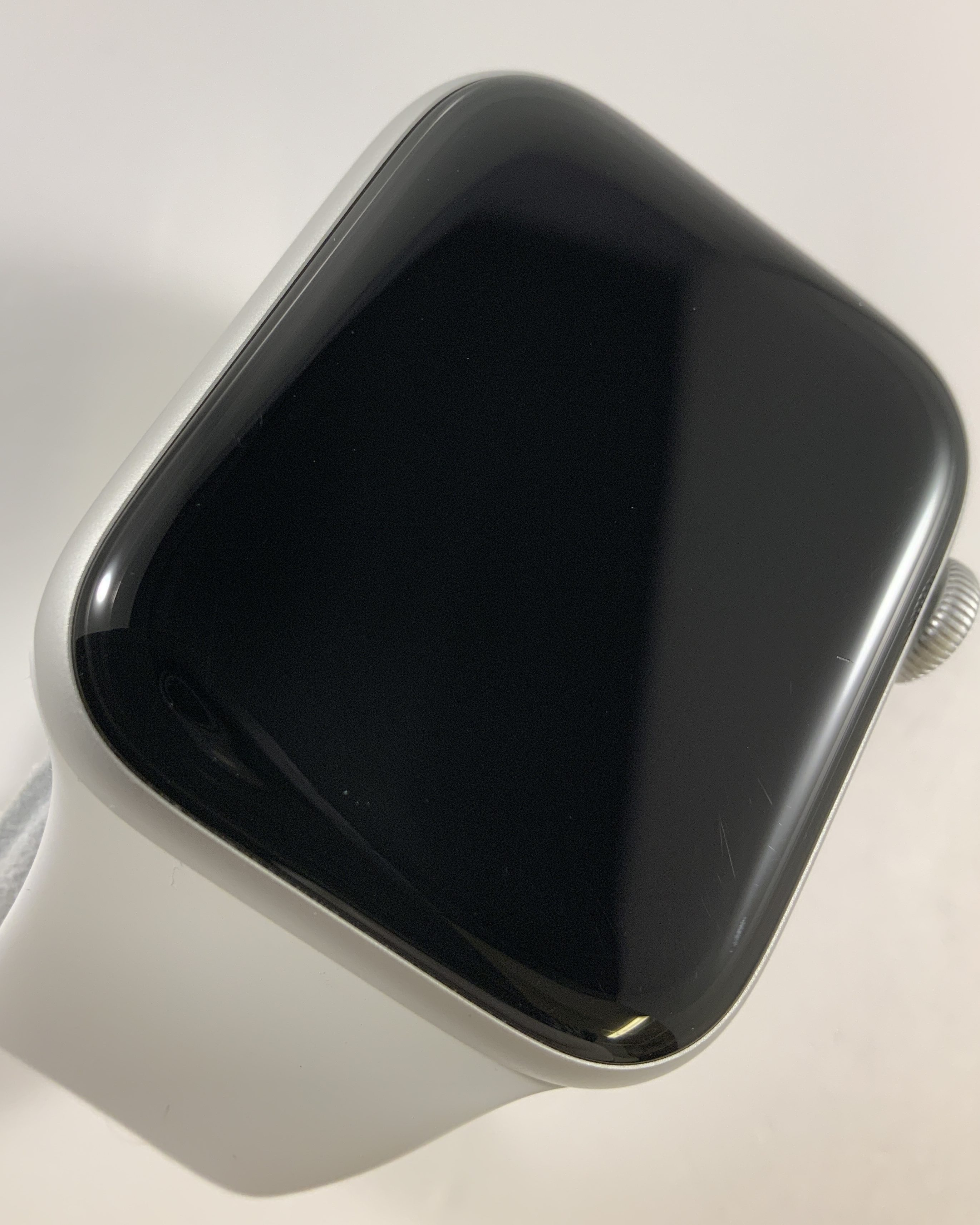 Watch Series 4 Aluminum Cellular (44mm), Silver, White Sport Band, image 4