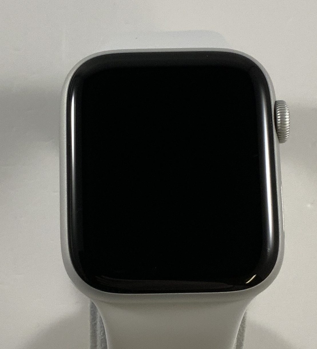 Watch Series 4 Aluminum Cellular (44mm), Silver, White Sport Band, image 1