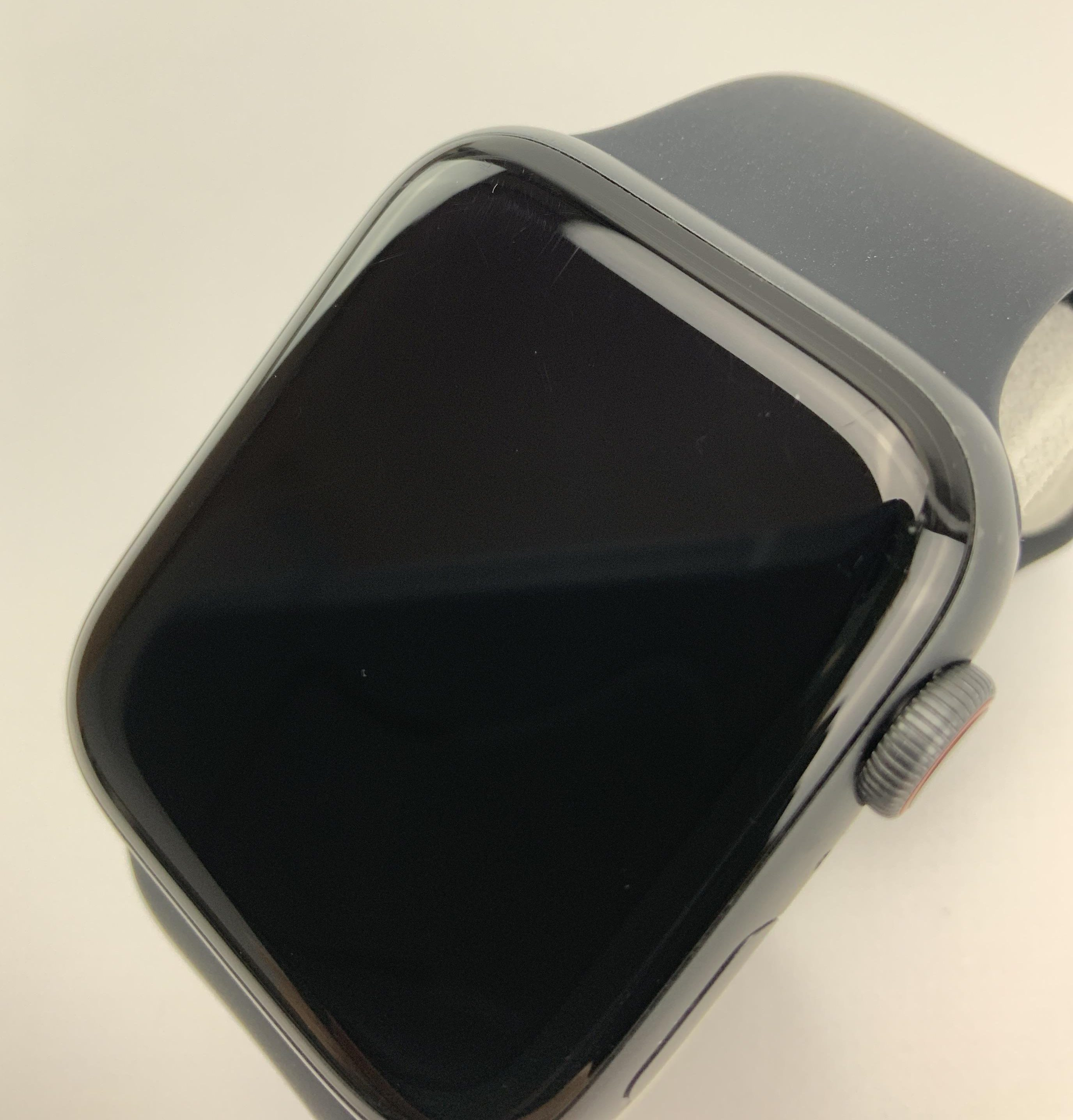 Watch Series 4 Aluminum Cellular (44mm), Space Gray, Black Sport Band, imagen 2