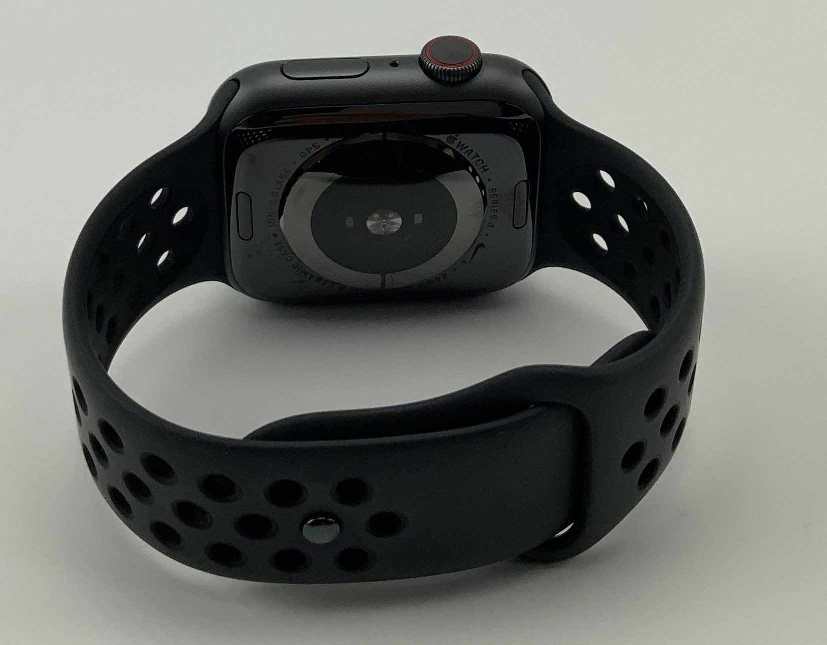 Watch Series 4 Aluminum Cellular (44mm), Space Gray, Black Nike Sport Loop, imagen 3