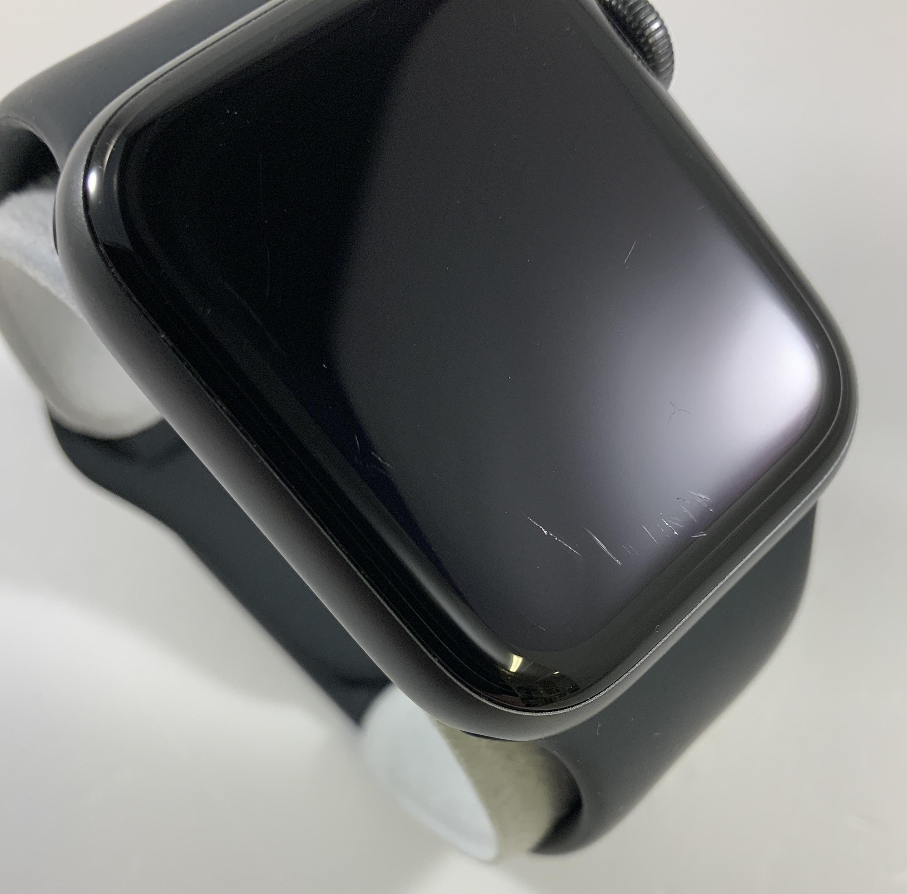 Watch Series 5 Aluminum (40mm), Space Gray, image 2