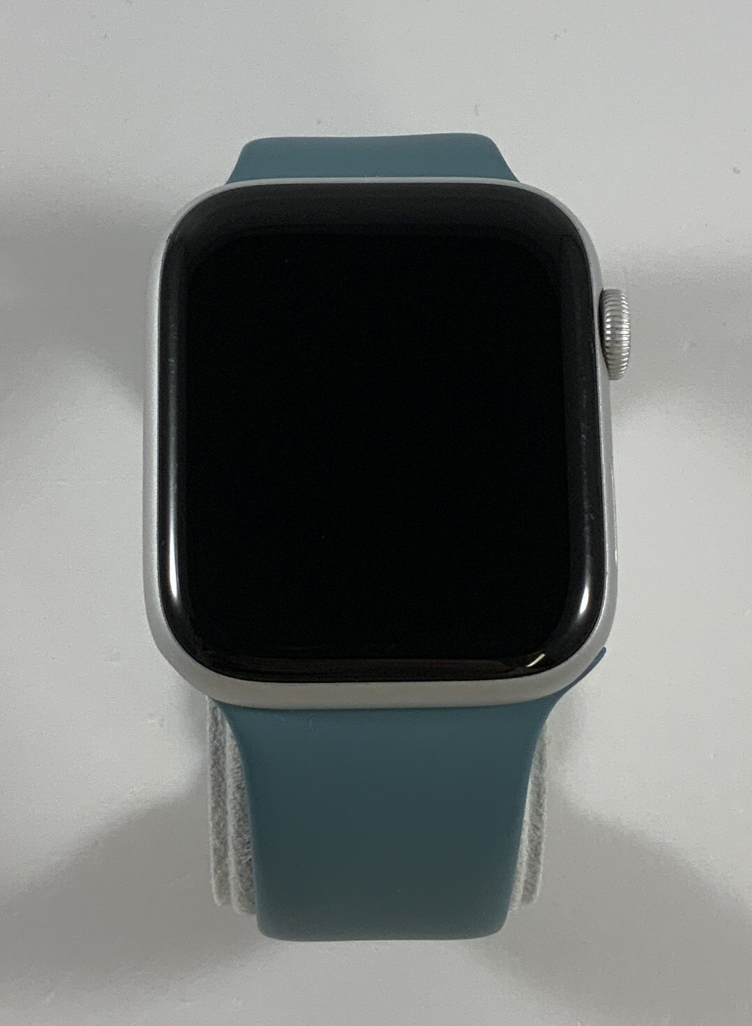 Watch Series 5 Aluminum Cellular (44mm), Silver, image 1