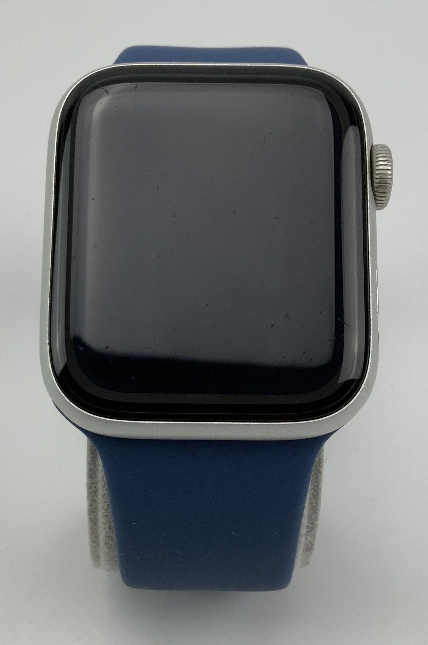 Watch Series 5 Aluminum Cellular (44mm), Silver, Kuva 1