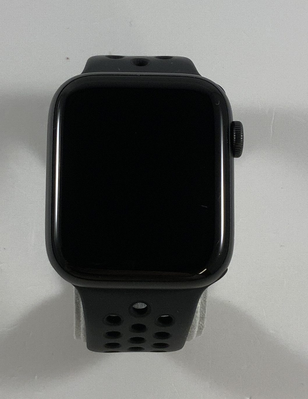 Watch Series 5 Aluminum Cellular (44mm), Space Gray, Kuva 1