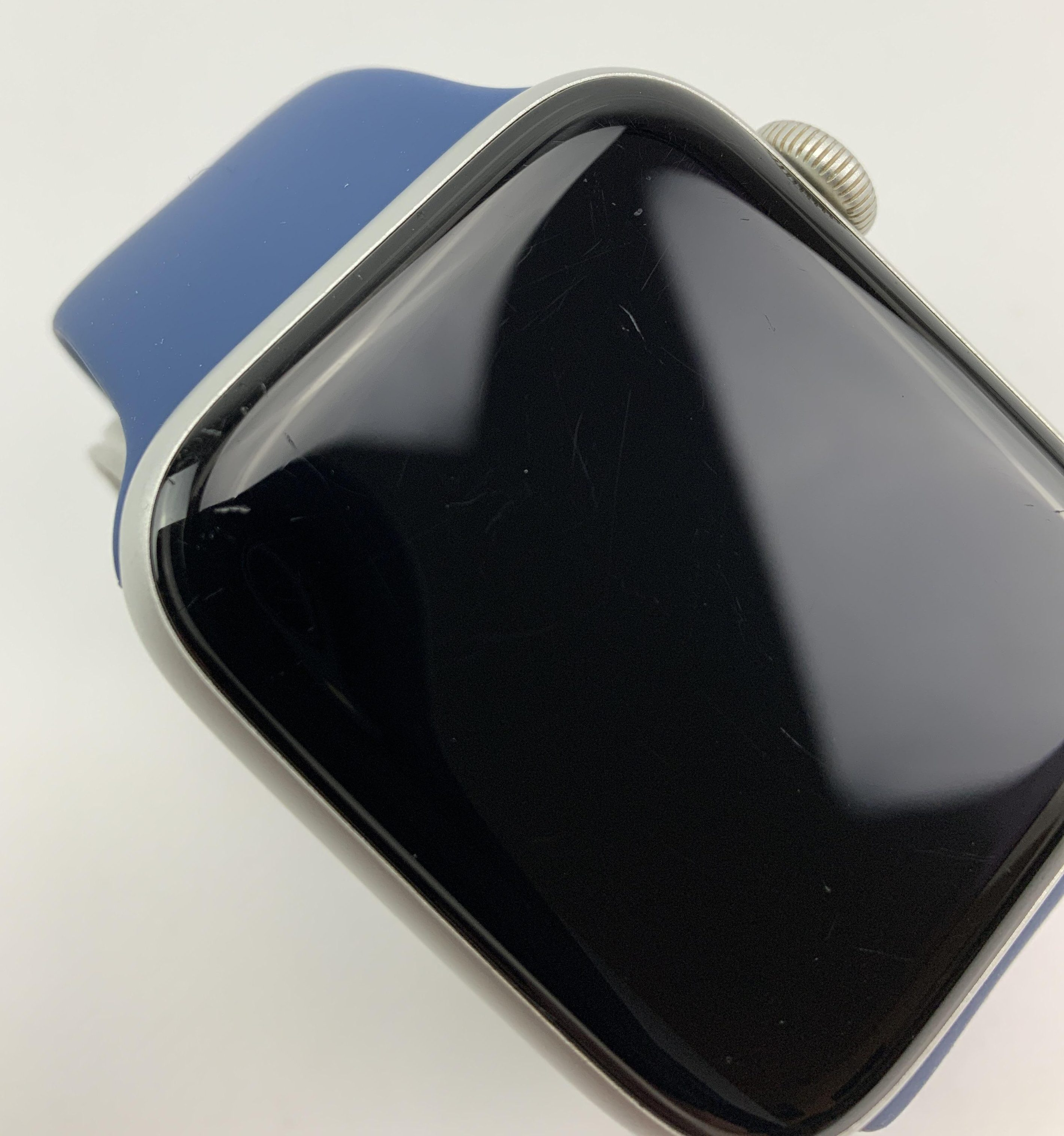Watch Series 5 Aluminum Cellular (44mm), Silver, Kuva 2