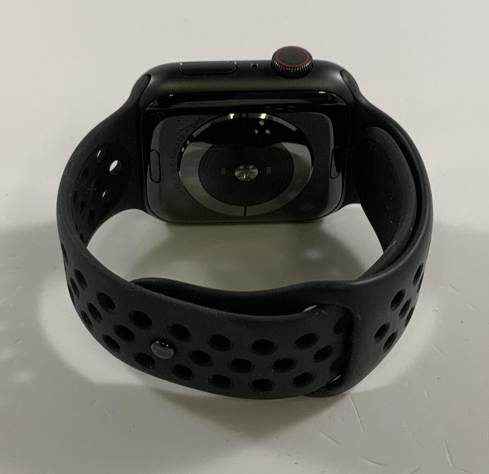 Watch Series 5 Aluminum Cellular (44mm), Space Gray, Kuva 2