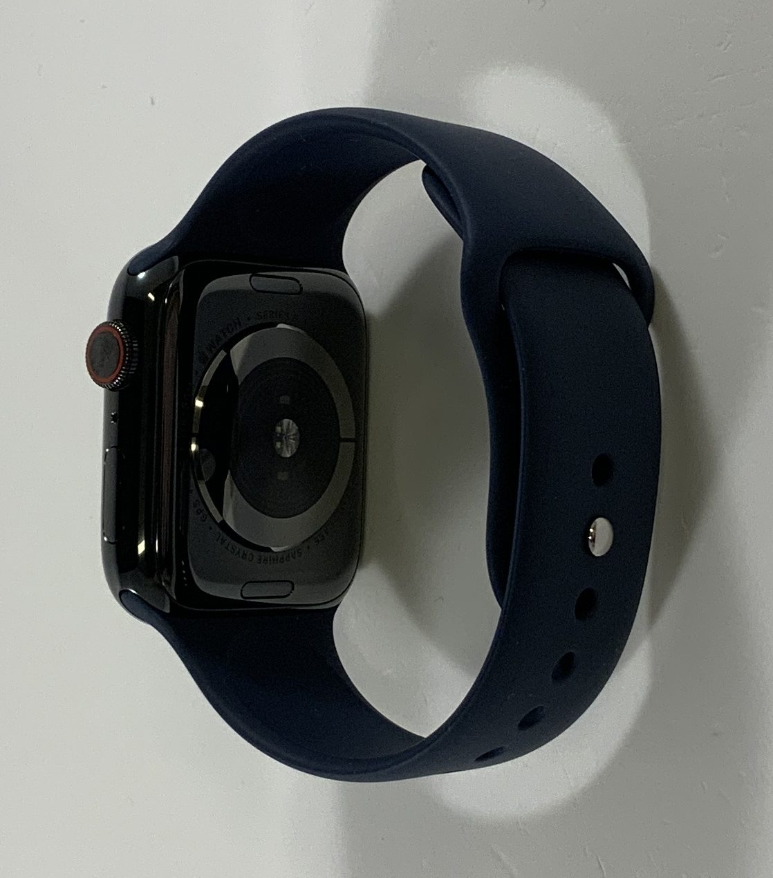 Watch Series 5 Steel Cellular (44mm), Space Black, image 3