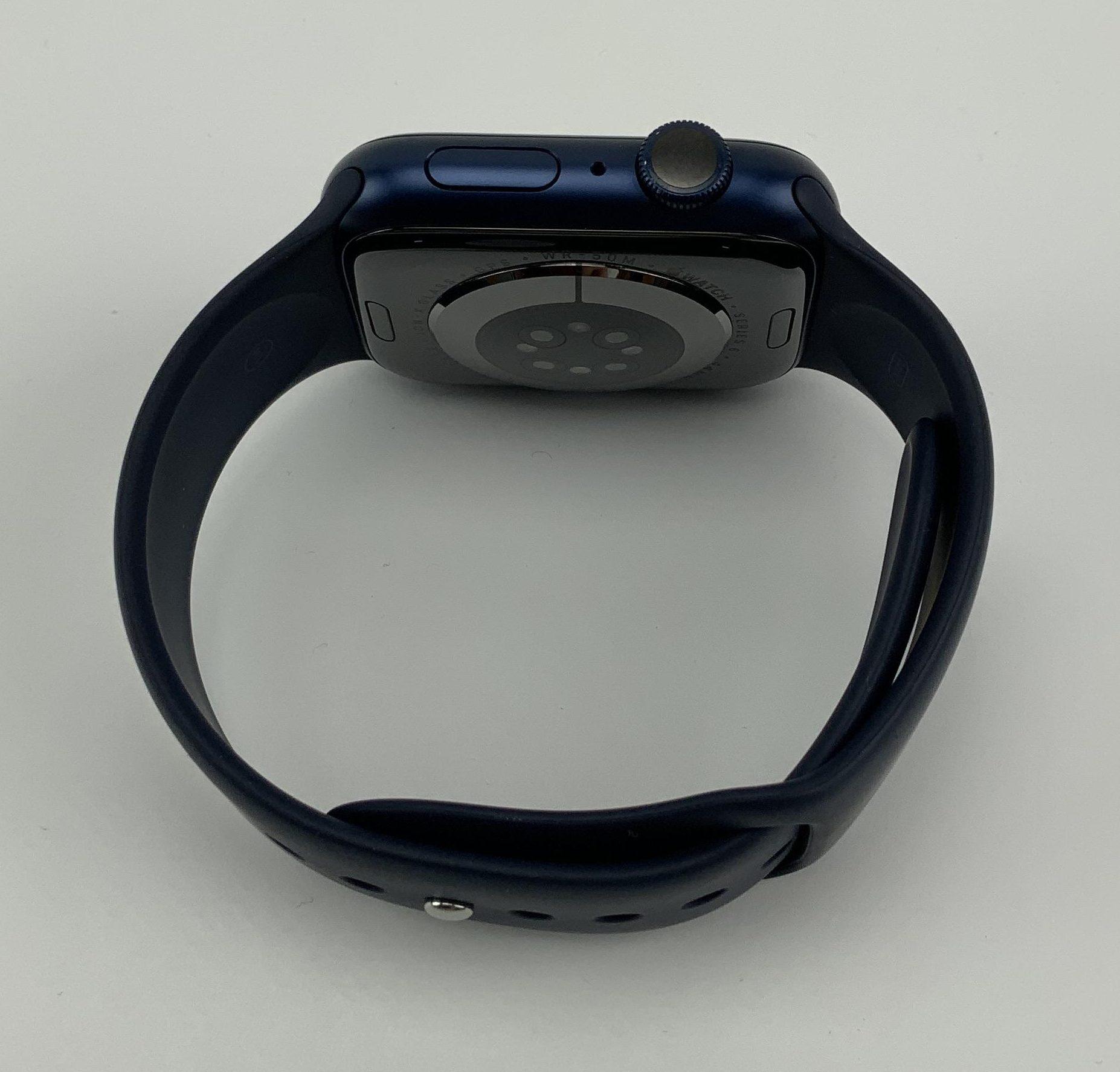 Watch Series 6 Aluminum (44mm), Blue, immagine 3
