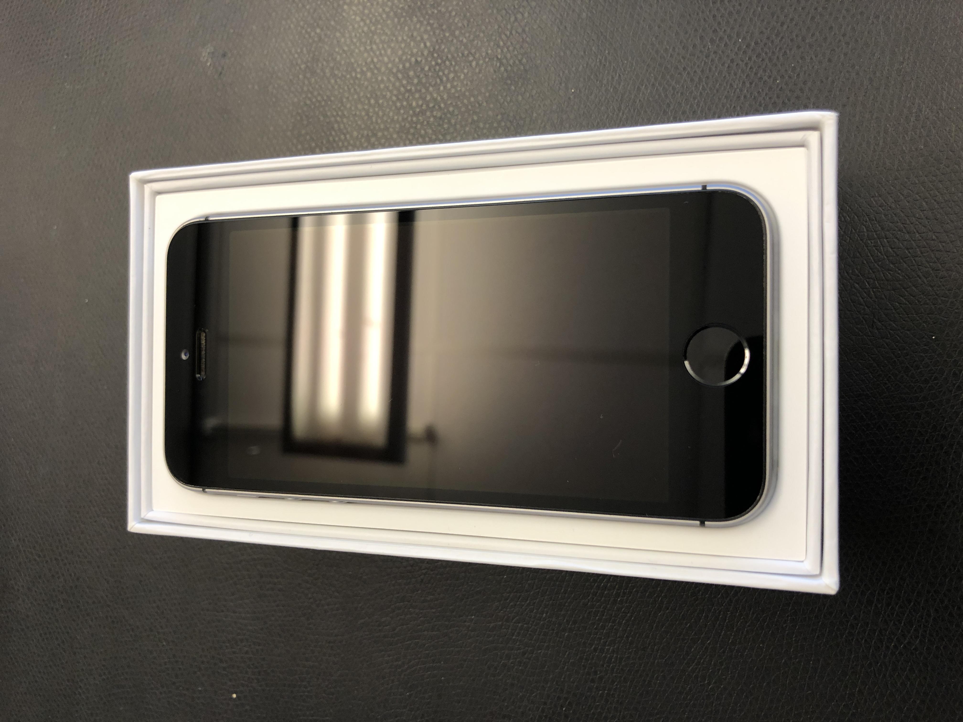 iPhone SE 64GB, 64GB, Gray, Afbeelding 1