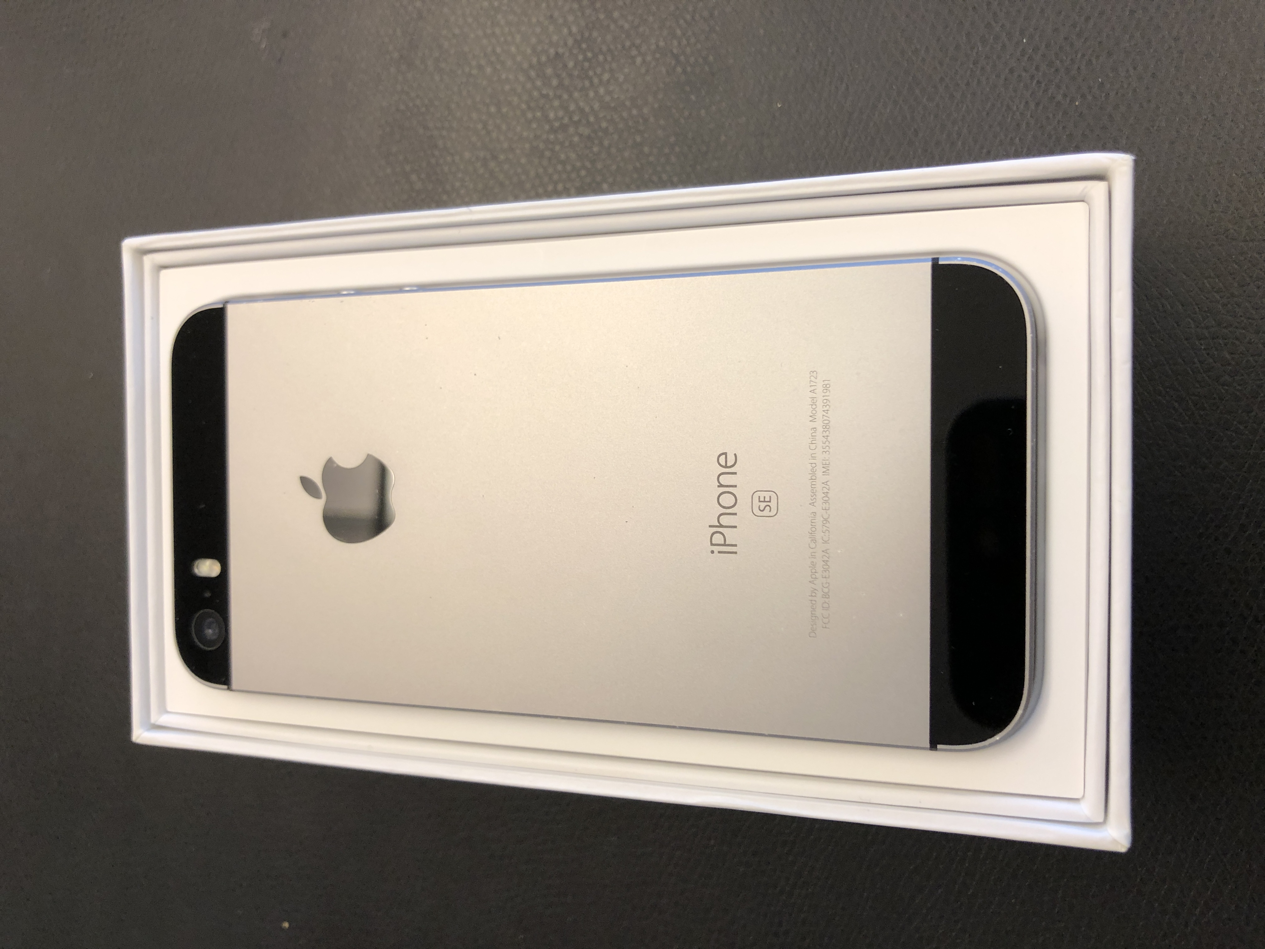 iPhone SE 64GB, 64GB, Gray, Afbeelding 2